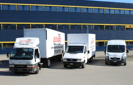 mat riels camion monte meuble semi remorque fourgon clark. Black Bedroom Furniture Sets. Home Design Ideas